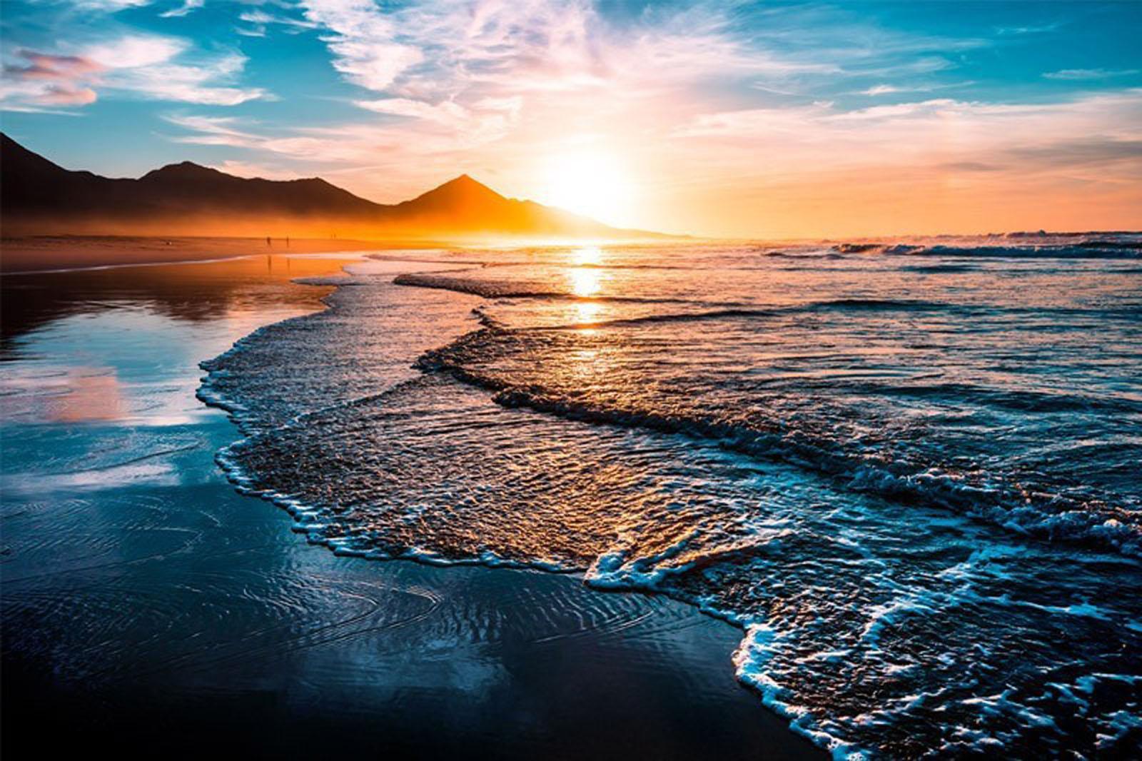 Beach Sunset with Endless Horizon Image